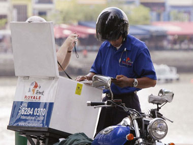 Delivery Boys: The festive season raises the burden of the season on their shoulders