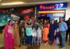 Children's cancer patients celebrated by celebrating cake and watching movie