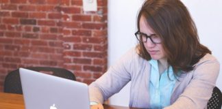 Research: Women work more time than men, without payment