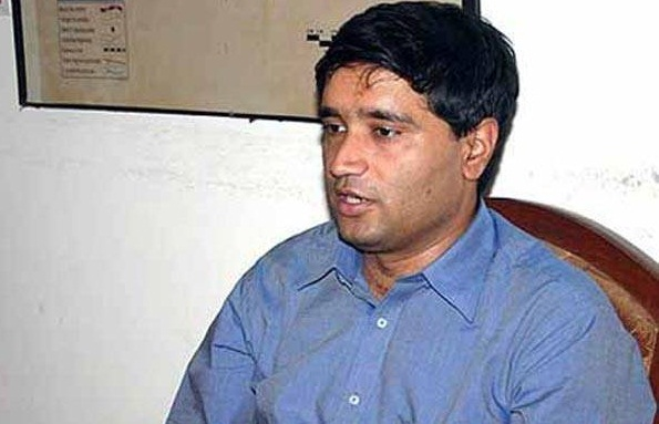Sanjeev Chaturvedi claims corruption-fighting officer - CVC closes corruption cases in AIIMS