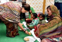 Chief Minister to serve poor and destitute people with their own hands