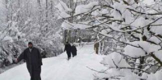 Jammu Kashmir snowfall: more than 70 stranded people were rescued