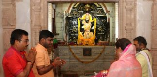 Chief Minister Vasundhara Raje worshiped at Tripura Sundari temple
