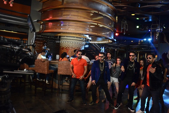 Shooting, Bollywood singer-director, Rajasthan Sanjay Soni Strigler, music album, Party fever, public lounge