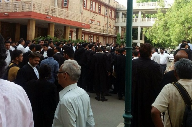 Lawyers, protest, against, high court bench, Udaipur, jaipur news