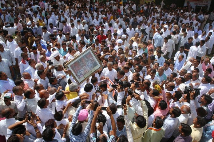 Ashok Gehlot happily celebrated birthday, thousands of people greeted