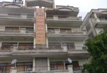 Sangam Sagar Apartment, Police, presence, subhash gupta,dabangai, broken camera, sticks, adv pratap singh