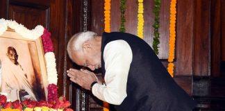 Prime Minister Narendra Modi paid homage to Mahatma Gandhi and Lal Bahadur Shastri
