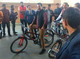 Pratap Singh Khatriyavas, bicycling