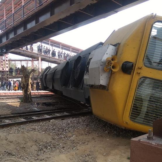 Dyodai super-fast train,derailed Jaipur